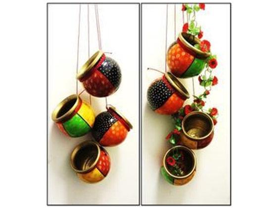 The garden of hanging pots